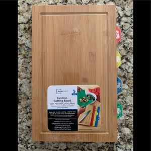 Mainstays Bamboo cutting board with cutting mat